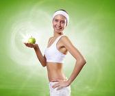 Młoda zdrowa kobieta robi sport — Zdjęcie stockowe