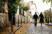 Couple in Paris at Montmartre — Stock Photo