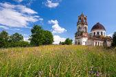 Old deserted church in Novgorod region, Russia — Stock Photo