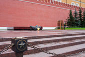 Eternal Flame at the Kremlin wall in Moscow, Russia — Stock Photo