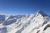 Montañas bajo la nieve en el invierno. alpes. sölden. austria — Foto de Stock