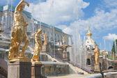 Grand cascade in Pertergof, Saint-Petersburg, Russia. — Fotografia Stock