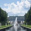 Grand Cascade Fountains at Peterhof Palace garden, St. Petersbur — Foto Stock
