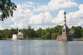 "Chesme Column and Pavilion ""Turkish bath"". Tsarskoye Selo (Pushk — Stock Photo"