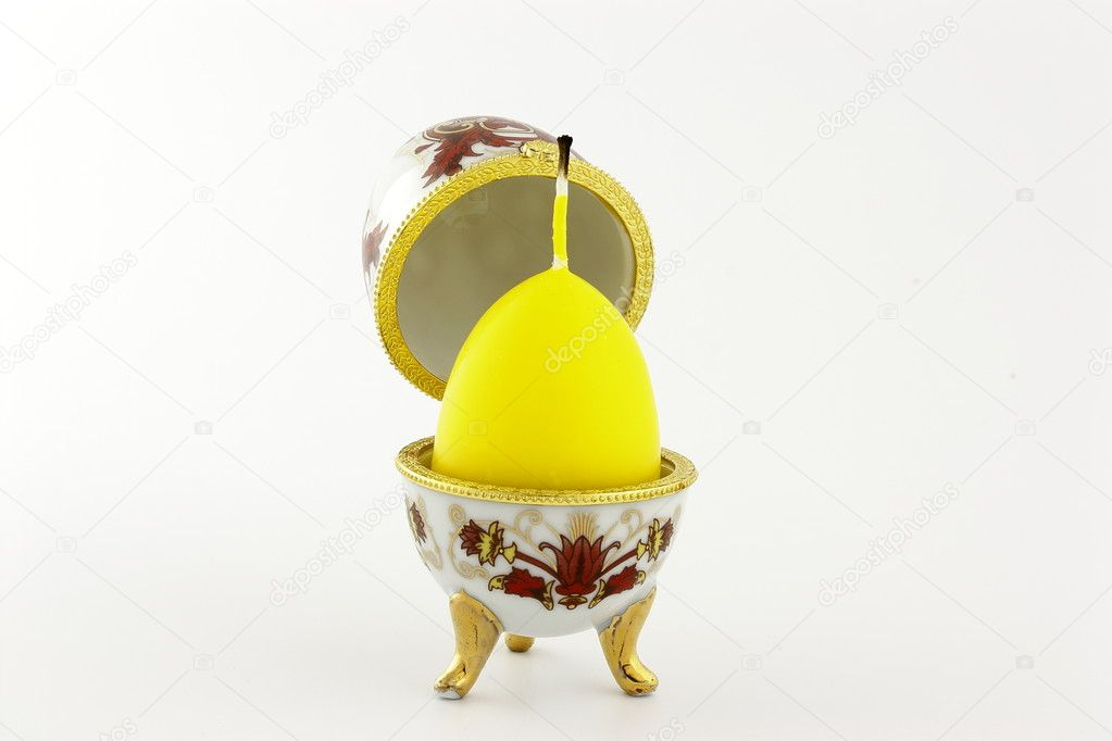 The box shape in the style of Faberge egg with a candle — Stok fotoğraf #10409278