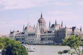 Hongaarse parlement, boedapest aan zomer — Stockfoto