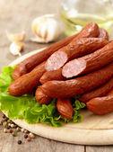 Délicieuses saucisses fumées — Photo