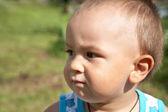 Ritratto di bambino in estate — Foto Stock