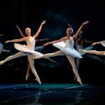 Swan Lake Ballet — Stock Photo #10572721
