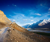 Road to Kee (Ki, Key) Monastery. Spiti Valley, Himachal Pradesh — Stock Photo