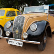 CHENNAI - INDIA - JULY 24: Retro vintage car on Heritage Car Ral — Stock Photo