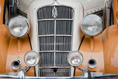 CHENNAI - INDIA - JULY 24: Car grill and headlamps of Plymouth P — Foto Stock