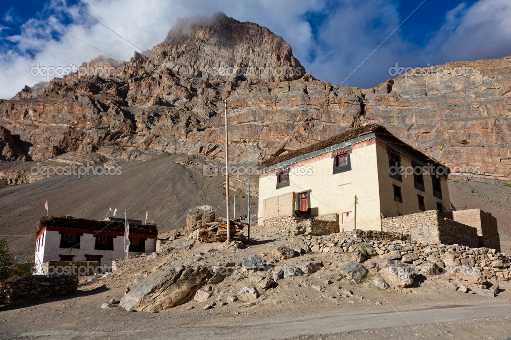 Village in Spiti Valley. Himachal Pradesh, India — Stock Photo #9530044