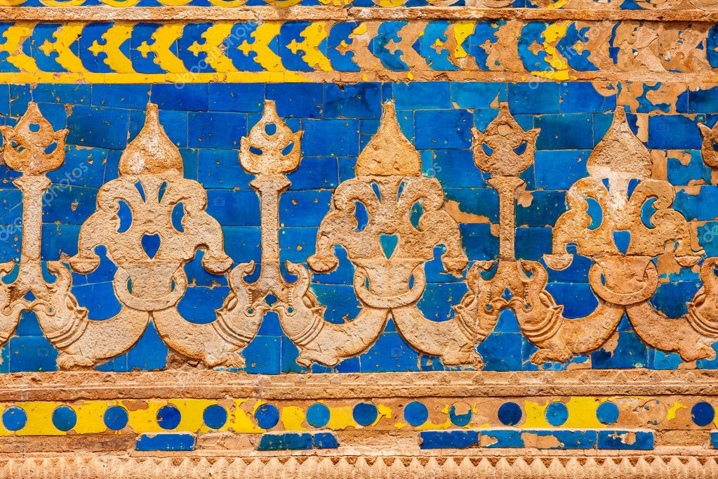 Mughal style wall ornaments. Gwalior Fort. Madhya Pradesh, India  Stock Photo #9530072