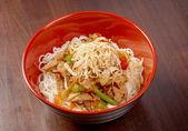 Noodles with pork and vegetable — ストック写真