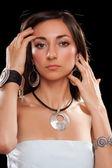 Portrét krásné mladá bruneta. samostatný — Stock fotografie