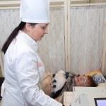 Medical doctor making ECG — Stock Photo