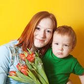 Mutter mit ihrem sohn — Stockfoto