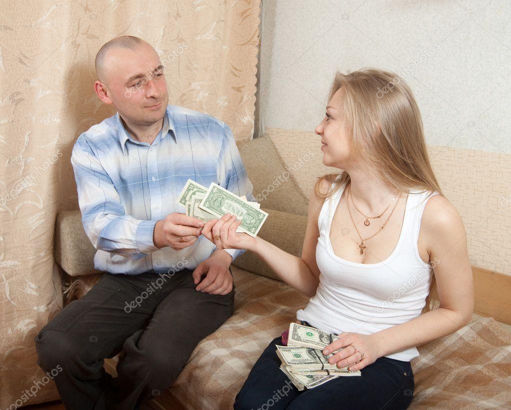 Продают жен за деньги, В русском порно муж продал свою жену за бабло 3 фотография