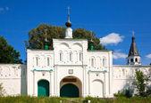 ворота в свято-успенский монастырь, александров — Стоковое фото