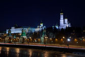 Moscow Kremlin and Moskva River in winter night. Russia — Stock Photo