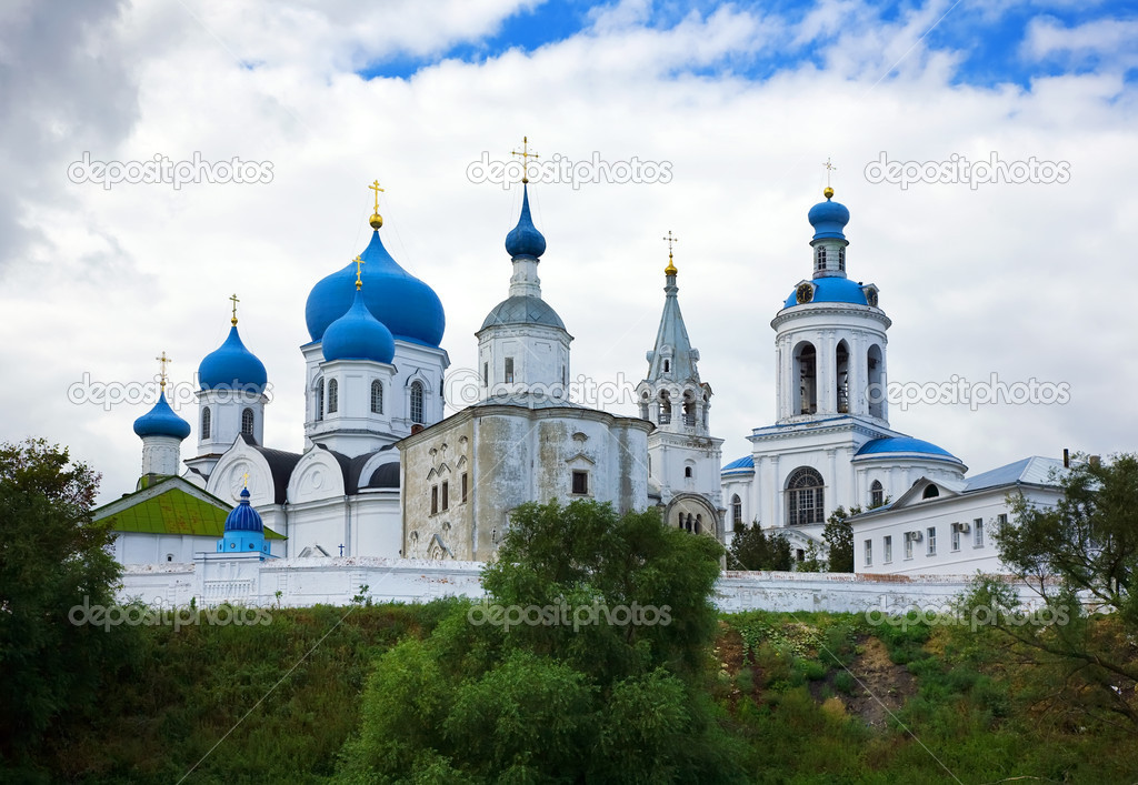 Orthodoxy monastery in Bogolyubovo in summer day (Russia) — Stock Photo #10530633