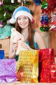 Kız noel hediyeleri — Stok fotoğraf