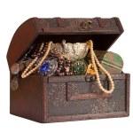 Wooden treasure trunk — Stock Photo