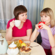 Girls drinks tea and talking — Stock Photo