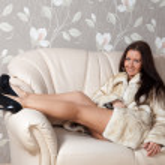 sexy vrouw in bontjas — Stockfoto #9007980