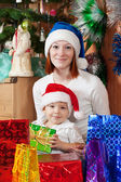 Família feliz, celebrando o natal — Foto Stock