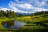Mountains lake — Stock Photo