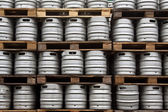 Kegs of beer in regular rows — Foto de Stock