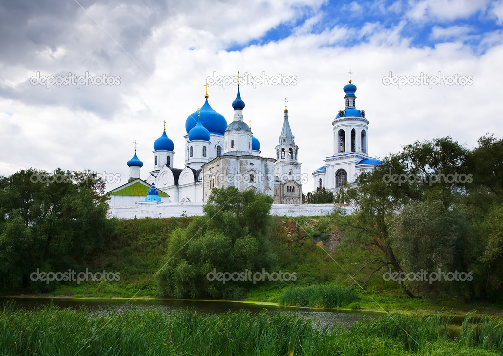 Orthodoxy monastery in Bogolyubovo in summer day (Russia) — Stock Photo #9008620