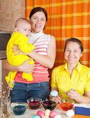 Jaja rodziny Kolorowanka na Wielkanoc — Zdjęcie stockowe