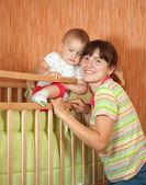 Feliz madre con bebé — Foto de Stock
