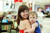 Mother with child at cafe — Стоковое фото