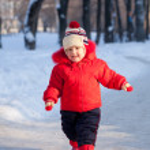 Happy toddler in winter — Stock Photo #9912126