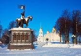 Monument van vladimir prins in vladimir in de winter — Stockfoto