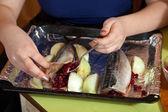 Cozinhar cavala fazendo com cranberries — Fotografia Stock