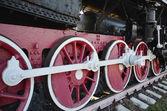 Barras y viejo volante locomotora de vapor — Foto de Stock