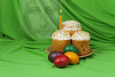 Easter cakes and painted eggs — 图库照片