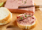 Liver pate and slices of bread — Stock Photo