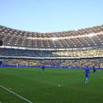 Players run during training session at NSC Olimpiyskiy stadium — Stock Photo