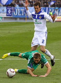 Danilo Silva of Dynamo Kyiv and Oleh Holodyuk of Karpaty Lviv — Fotografia Stock