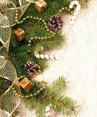 Juldekoration på Gran gren — Stockfoto