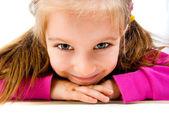 Bambina si trovano sul pavimento — Foto Stock