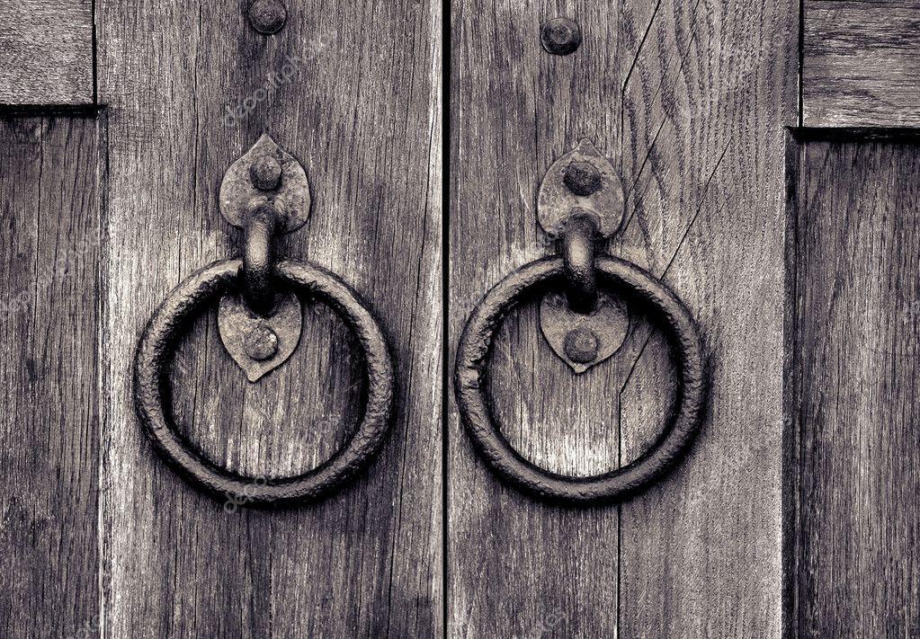 古代木制门与门门环环