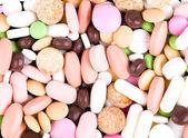 多彩な丸薬のヒープ — ストック写真