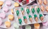 Un montón de pastillas — Foto de Stock